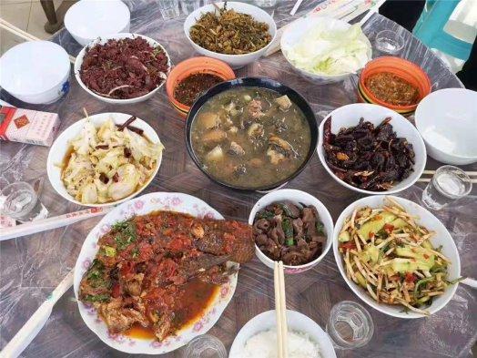 2018纳新勐海茶山行 —— 爱伲族家庭大餐